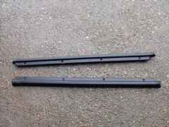 MAZDA MX5 EUNOS (MK1 1989 - 97) PLASTIC SILL TRIM / CARPET EDGE RETAINER  - PAIR